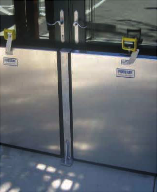 Multiple FB33 Barriers can be connected together with Presray mullions.