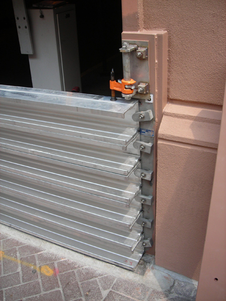 Stackable Quot Stop Log Quot Flood Barrier Heavy Duty