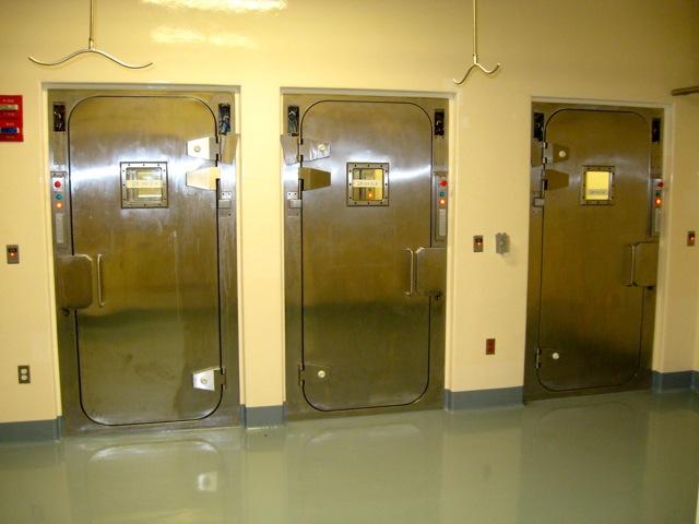 Presray APR laboratory doors with pneumatic seals.