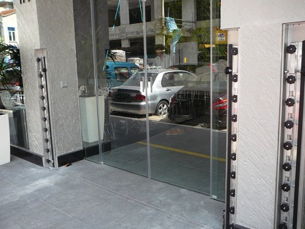 FastLogs installed in new hotel on Tyrwhitt Rd in Singapore. Photo: Opening ready for deployment of FastLogs.